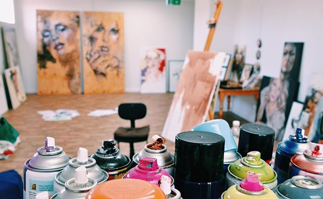 WORKSPACE // I have had some pretty awesome studios over the past few years since grad school . .  My favourite time to paint is when my schedule for the day is cleared and free from distractions! . .  I'm one of those people that can have the same song on repeat all day and not get sick of it ☺️ The studio is always an 'organised mess' with coffee, herbal tea & dark chocolate easily at hand ✨ . .  @meaghan_coles_artist  #insta180 #theinstagramplan  #meaghancoles  #adelaideartist #visualartist #painter #oils #mixedmedia #paintedfaces #beauty #studio #sketchbook #model #portraiture #interiordesign #colourful #contemporary #oilpainting #gallery #artwork #mixedmediapainting #resinartwork #watercolour #doitfortheprocess