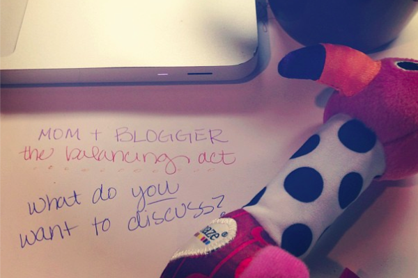 mom+blogger