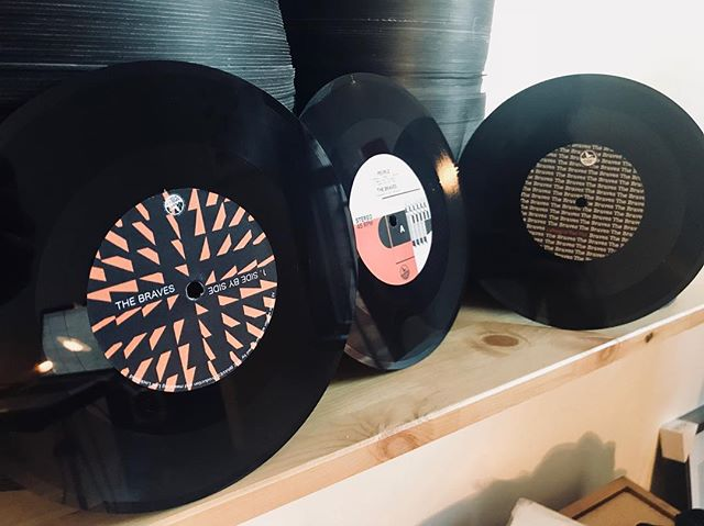 Here's a trio of freshly cut 7's by The Braves. Tasty👌🏻 ... ... ... ... ... ... ... #cutandgrooverecords #vinylrecords #vinyl #lathecuts #lathetrolls #lathecutrecords #melbournemade #melbournemusic  #bespoke #australianmade #handmade #handcut #records #recordstoreday #australianmusic #freshvinyl #freshcuts