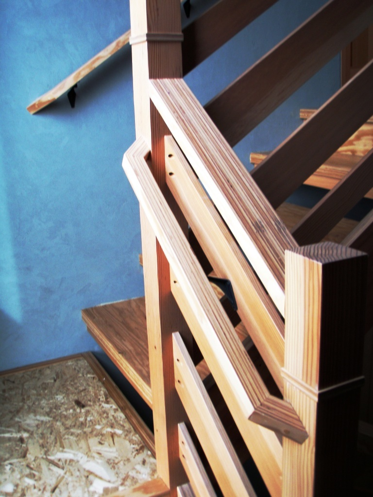 minimalist-stairway-superior-finish-craftsmanship-sierra-sustainable-builders