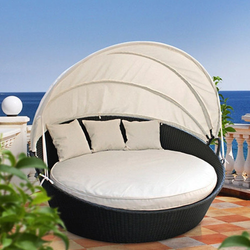 RATTAN CANOPY BED