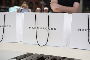 MARC JACOBS               DASIY DREAM PERFUME LAUNCH                              (Flatiron Plaza)