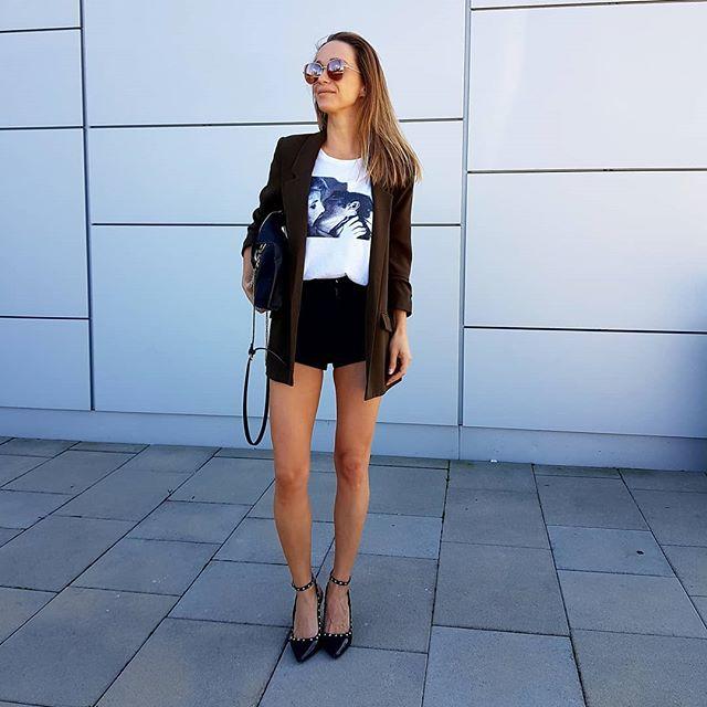 jeden z mojich letných obľúbených... . . . #ootd #dnesnosim #fashionistka #blogerka #fashionstyle #stylish #fblogger #stylegram #ootd #trendalert #styleblogger #streetstyle #sunday