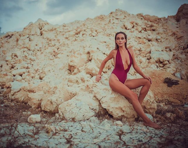 Nový na blogu - Keď sa ťa jeseň opýta, čo si nosil v lete. 👉Link v bio👈 MUAH: @maria.dizdarevic FOTO: @labant_photo . . . #fbloggers #blogerka #fashionistka #styleblogger #photography #photoart #summer #fashionblogger #slovakgirl #swimwear #tbt #instadaily #fashionstyle #fashiongram #ootd #womanslook #styleoftheday #photooftheday #summervibes