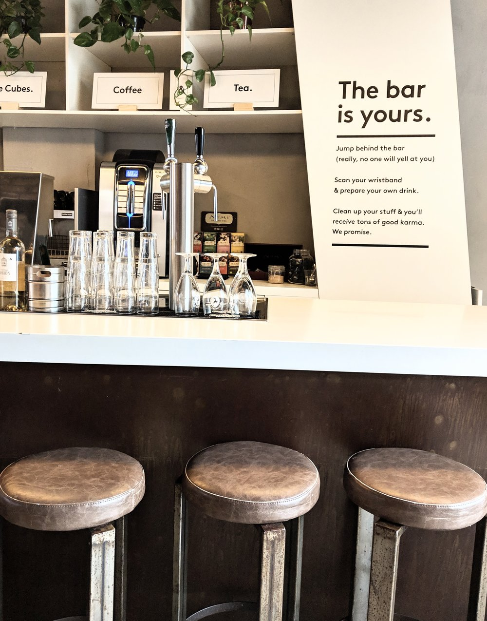 City Hub - Help yourself bar - Image by peastyle