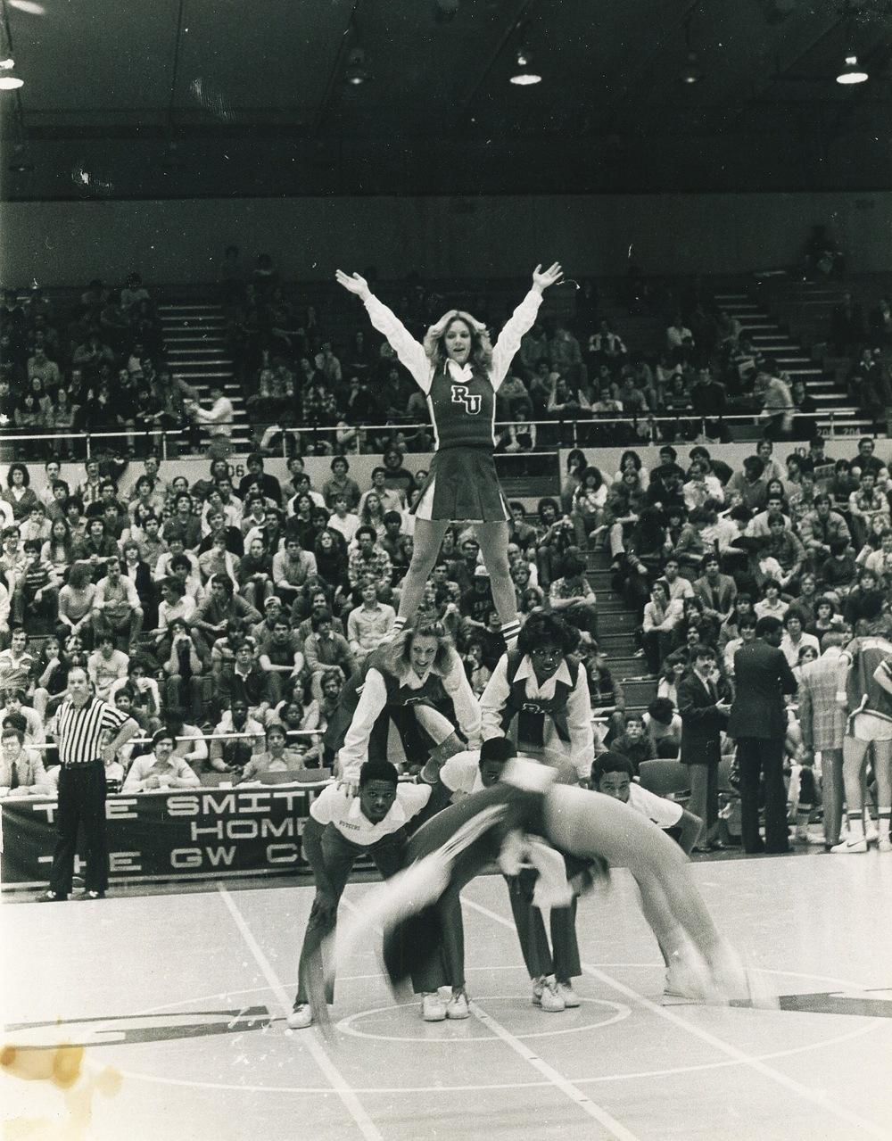 RU Cheer-1978-01?.jpg