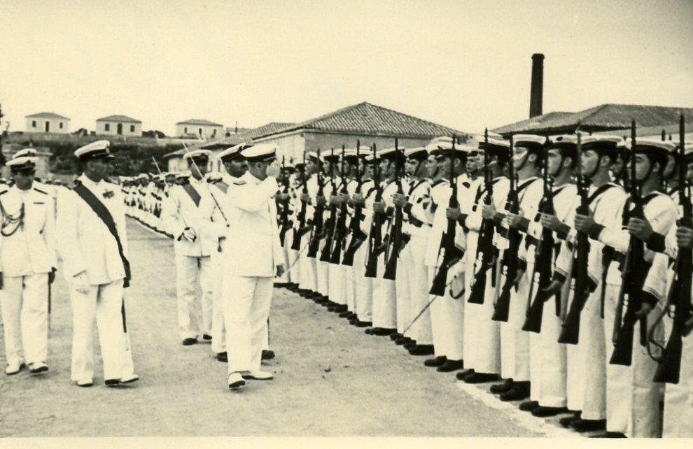 1951 gruppo La Maddalena.jpg
