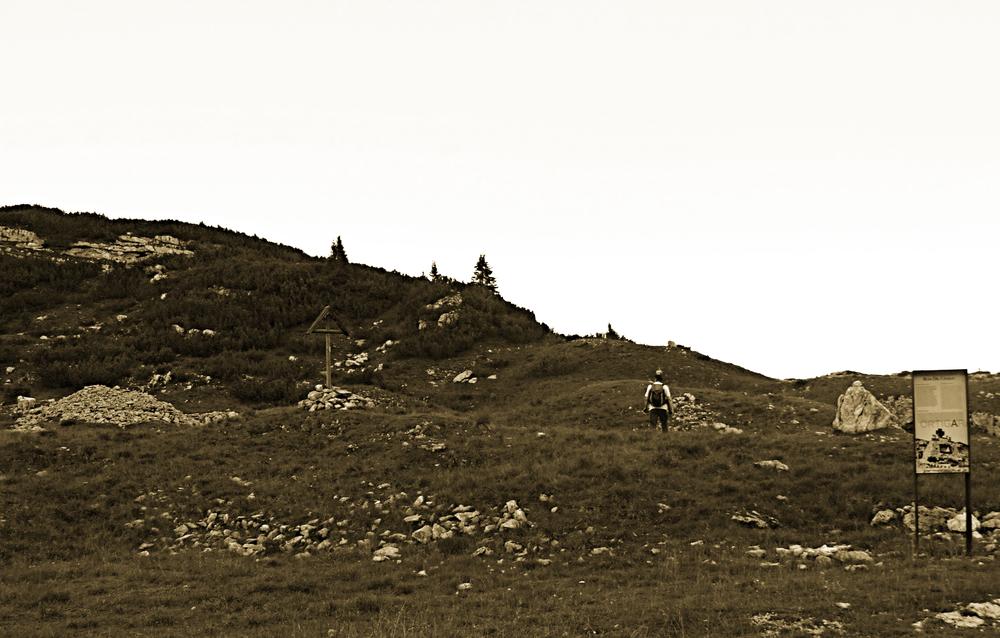 Agosto 2016 - ex cimitero militare del Cuvolin - Busa del Cavallo (Monte Chiesa) - là dove venne sepolto il 24 luglio 1916 dagli Austroungarici l'Alpino Giuseppe Neri (M.A.V.M.)