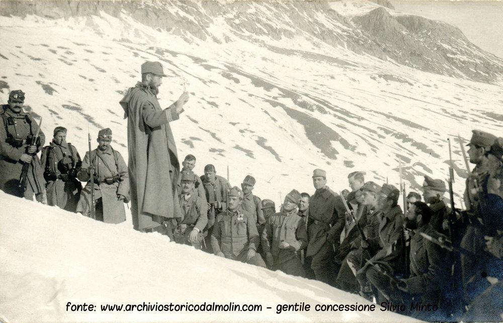 Ilaria 3 - Cappellano e soldati Austroungarici in alta quota.jpg