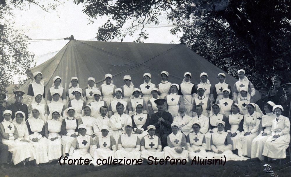 125a infermiere in ospedale britannico.jpg