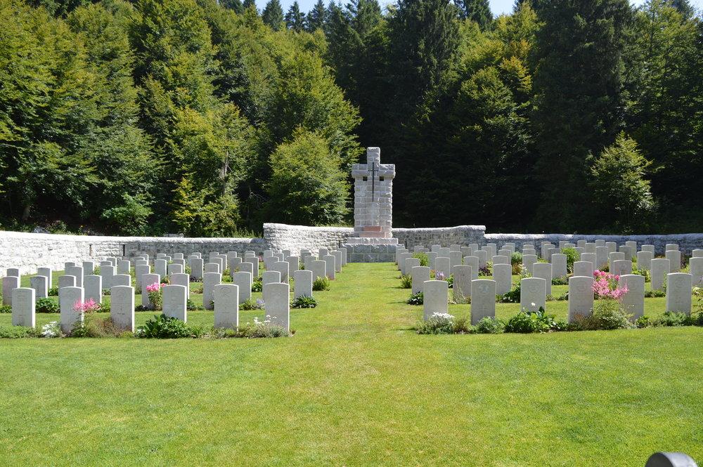 Il cimitero militare Britannico di Granezza dopo i lavori di manutenzione del 2017