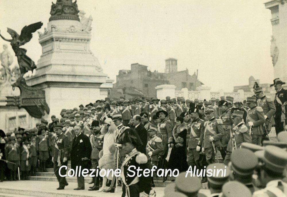 067 8 gennaio 1930 il principe e la principessa di piemonte al milite ignoto.jpg
