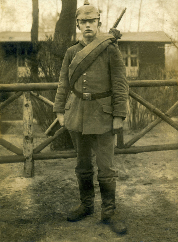 021 OPACO soldato tedesco pickelhaube elmetto a chiodo.jpg