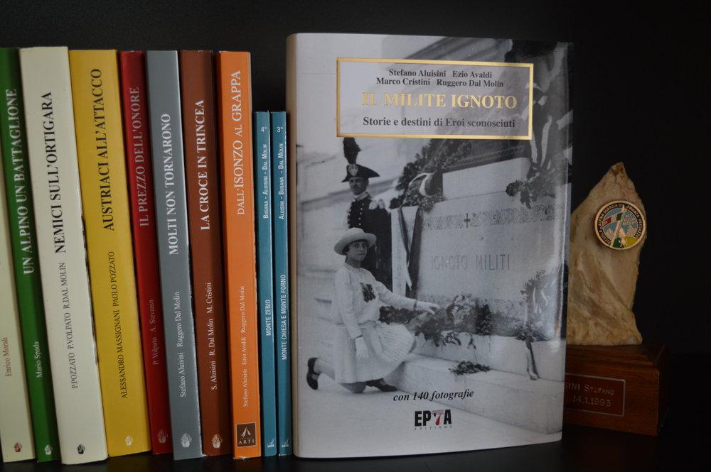foto libreria milite ignoto.JPG