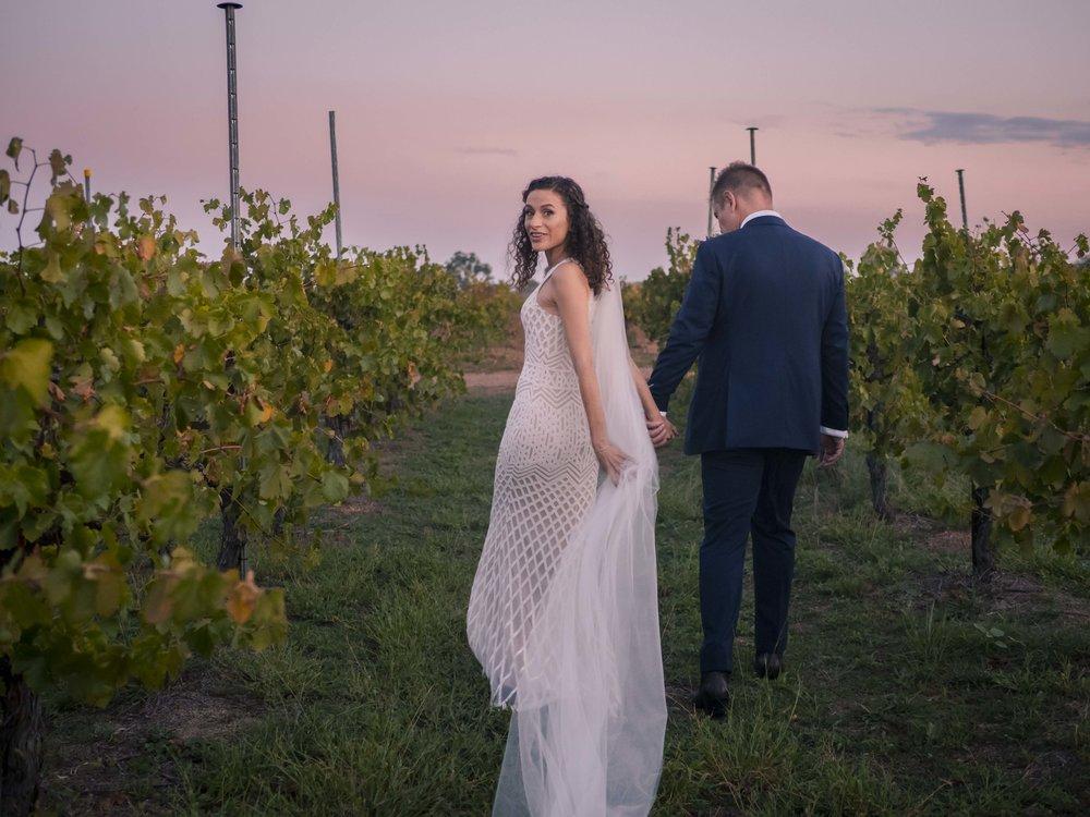 wedding712.jpg