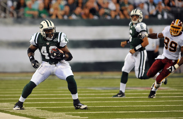 "The New York Times    Jets Have the Blueprint for a Playoff Run: 2009  FLORHAM PARK, N.J. — With the postseason fast approaching, Rex Ryan said this week that the Jets had run out of ""breathing room."" At almost the same point two years ago, Ryan thought the same thing, declaring that the Jets' playoff hopes were ""barely breathing."""