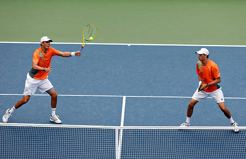 The New York Times    Trick Shot Ignites Doubles Comeback  A between-the-legs trick shot may have kept alive the Bryan brothers' chances of winning their fifth United States Open title.