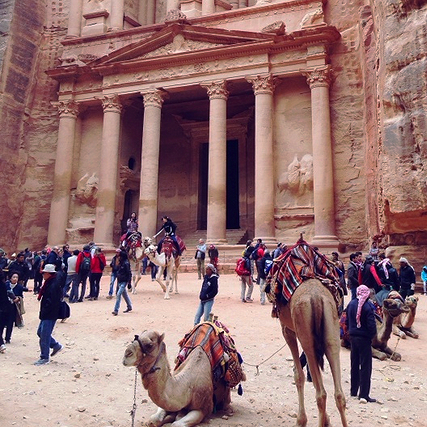 petra jordan travel guide budget backpacker