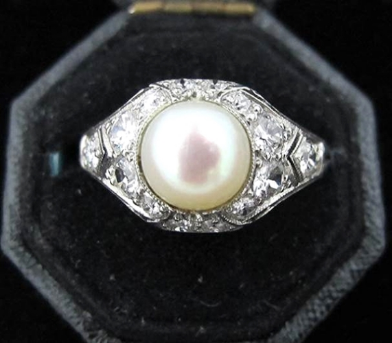 Cultured pearl, Old European cut diamond and platinum Art Deco ring, at Gray & Davis