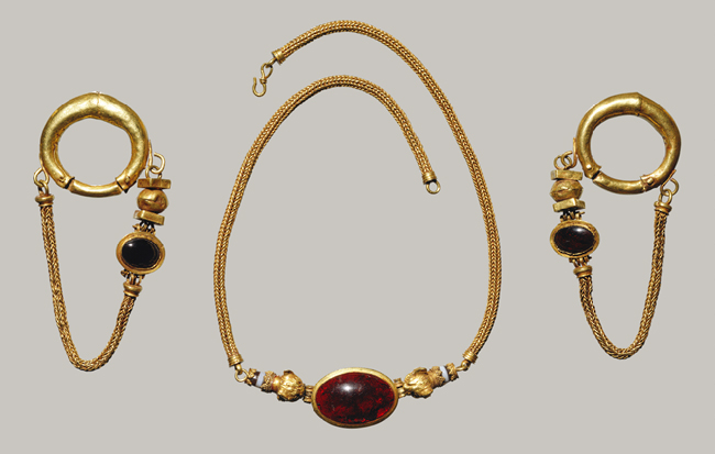 Necklace and Earrings; Late Hellenistic, 1st century B.C., Greek; Gold, garnet, agate, at the Metropolitan Museum of Art