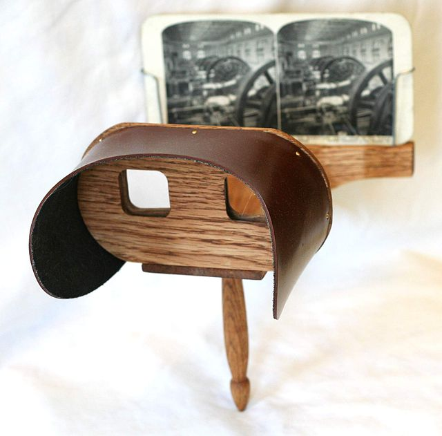 Oliver Wendell Holmes' Stereoscope viewer, originally developed in 1861.