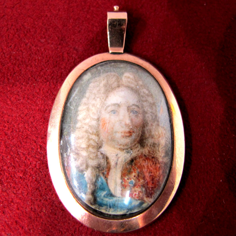 Georgian portrait miniature pendant in 12k gold, at Gray & Davis.
