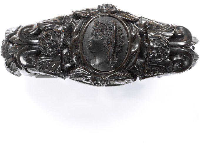 Carved jet bracelet, English c. 1870. Victoria & Albert Museum, London.
