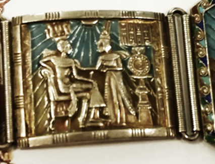 Bracelet; close up of Tut and his lady