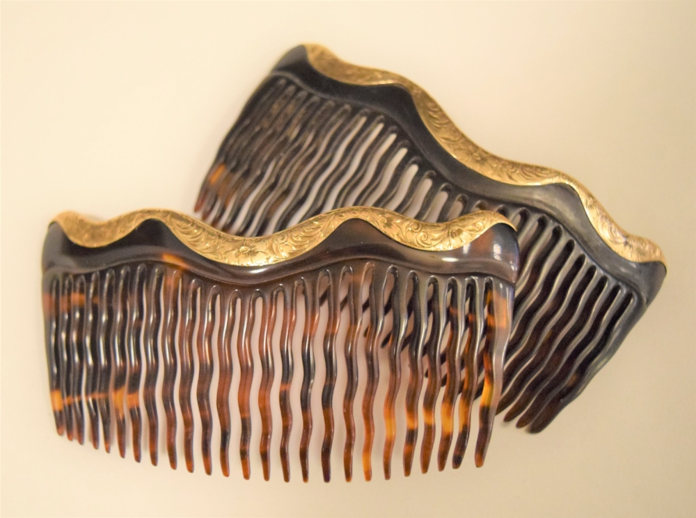 Victorian tortoiseshell and hand-engraved 14K gold hair combs, made c. mid-late 19th century.