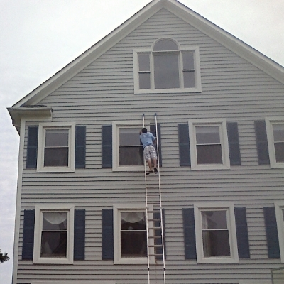 Window Cleaning Front Of House 2.jpg