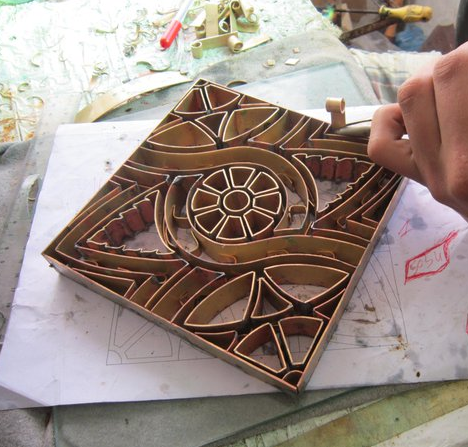 Metal tile mold