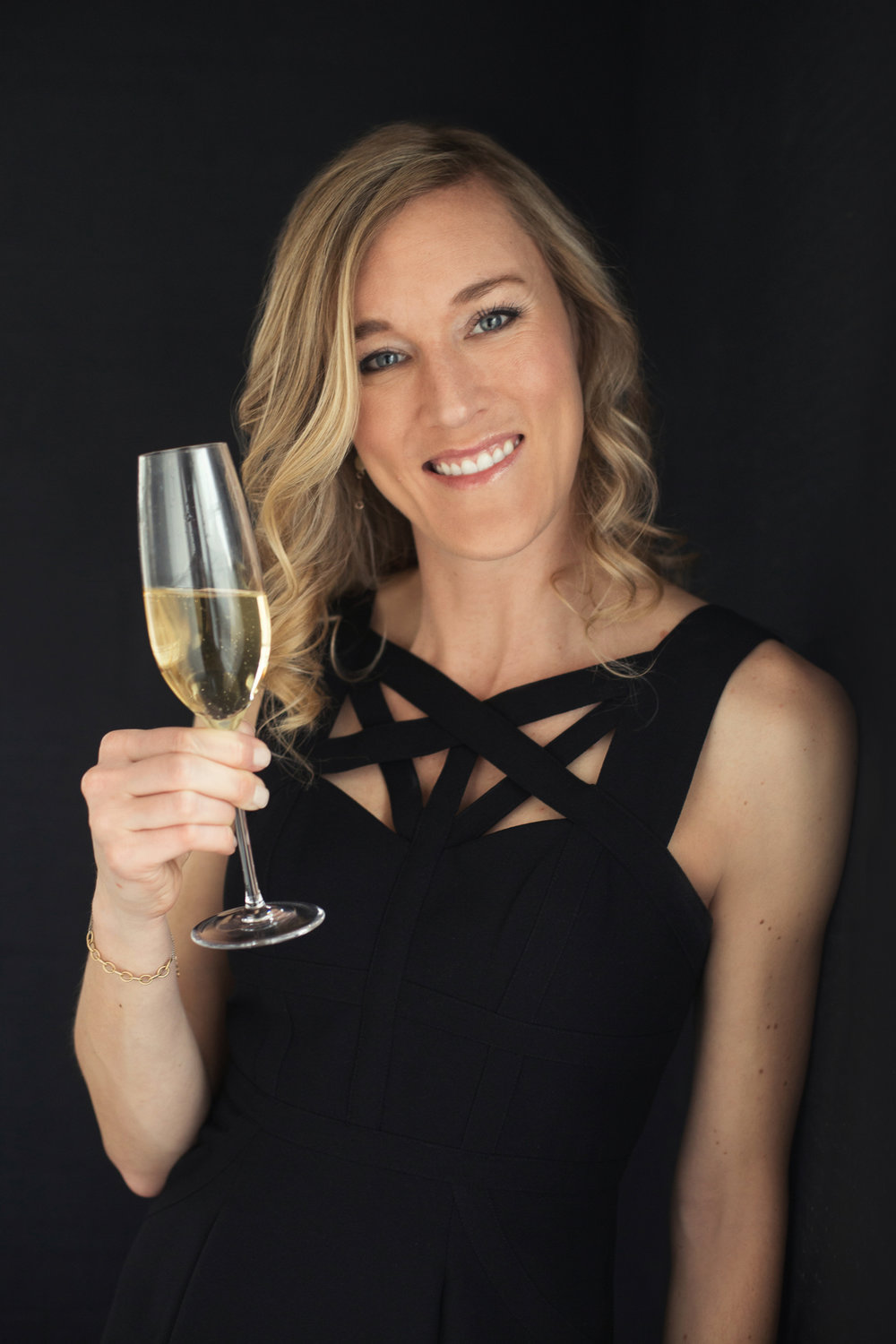 Lisa Damico Portraits │DC Arlington Alexandria Headshot │Wine Educator