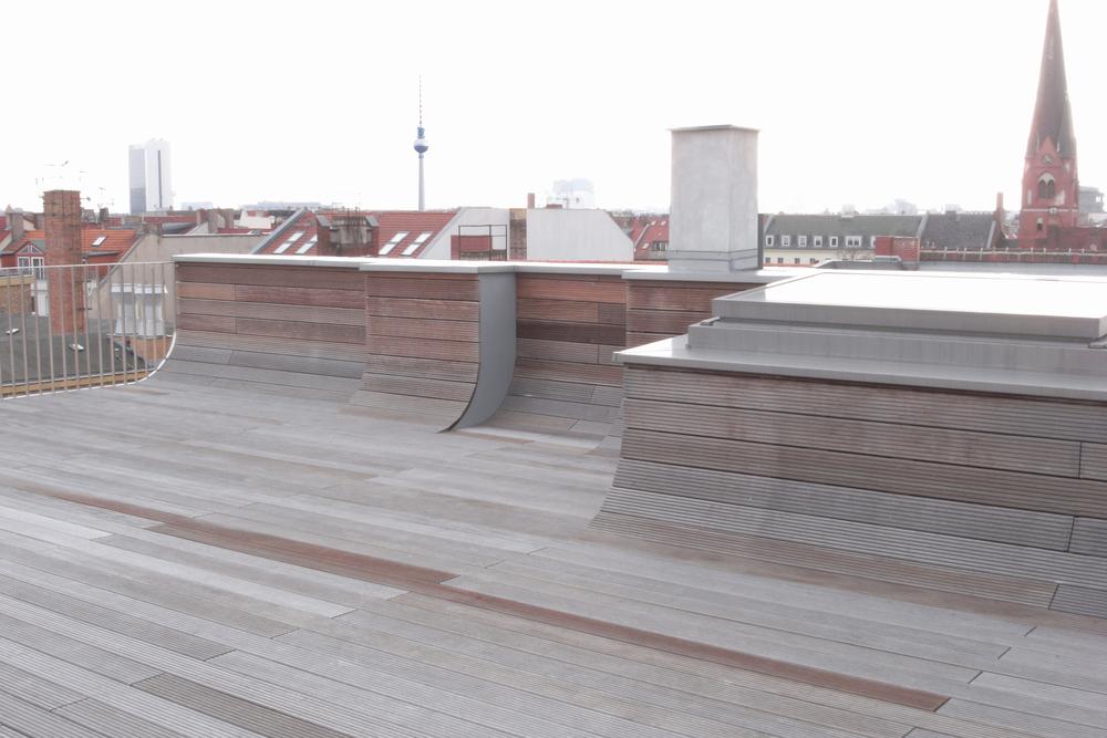 JMAYERH_Corridor_Roofterrace.jpg