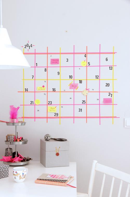 http://www.ohhhmhhh.de/31090/ein-wandkalender-aus-masking-tape-aber-erstmal-hello-again-frohes-neues-jahr/