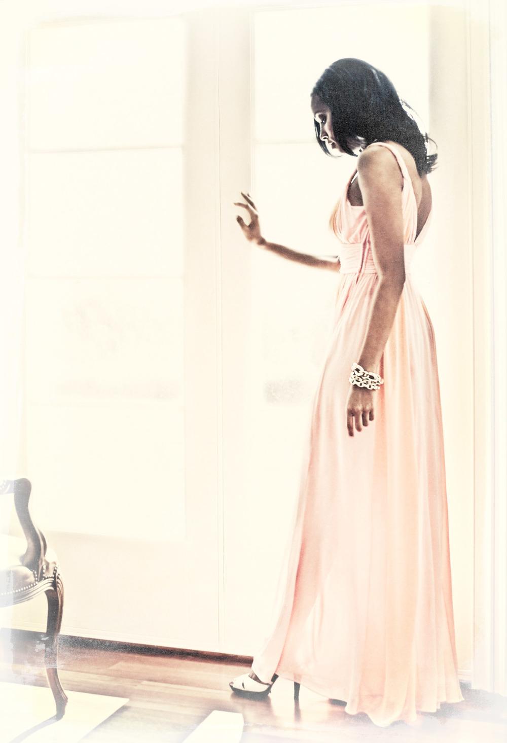 0802-AF-woman-pink_3072_original.jpg
