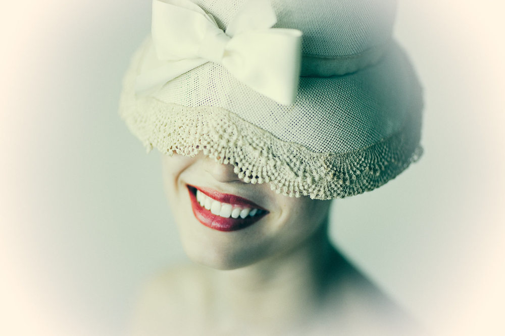 0901_red-lip-hat_stylized_1382f_original.jpg