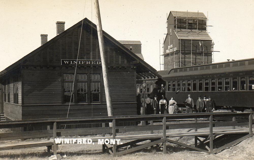 Winifred Rail Station.JPG