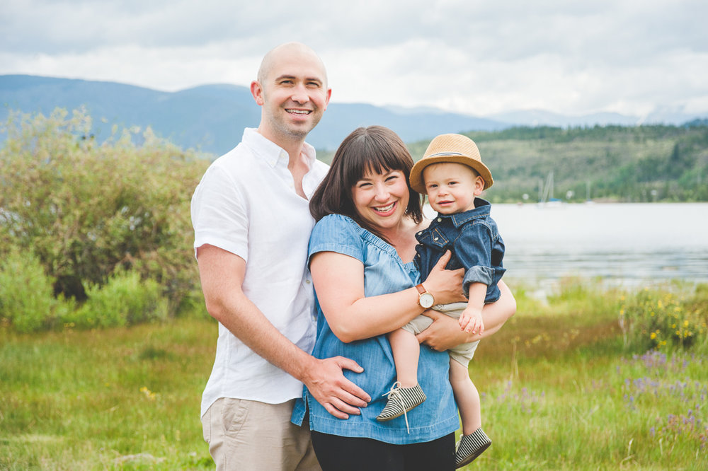 Summer family photos at the lake in Frisco, Colorado | Prepping your Little Ones for Portrait Sessions | Keeping Composure Photography
