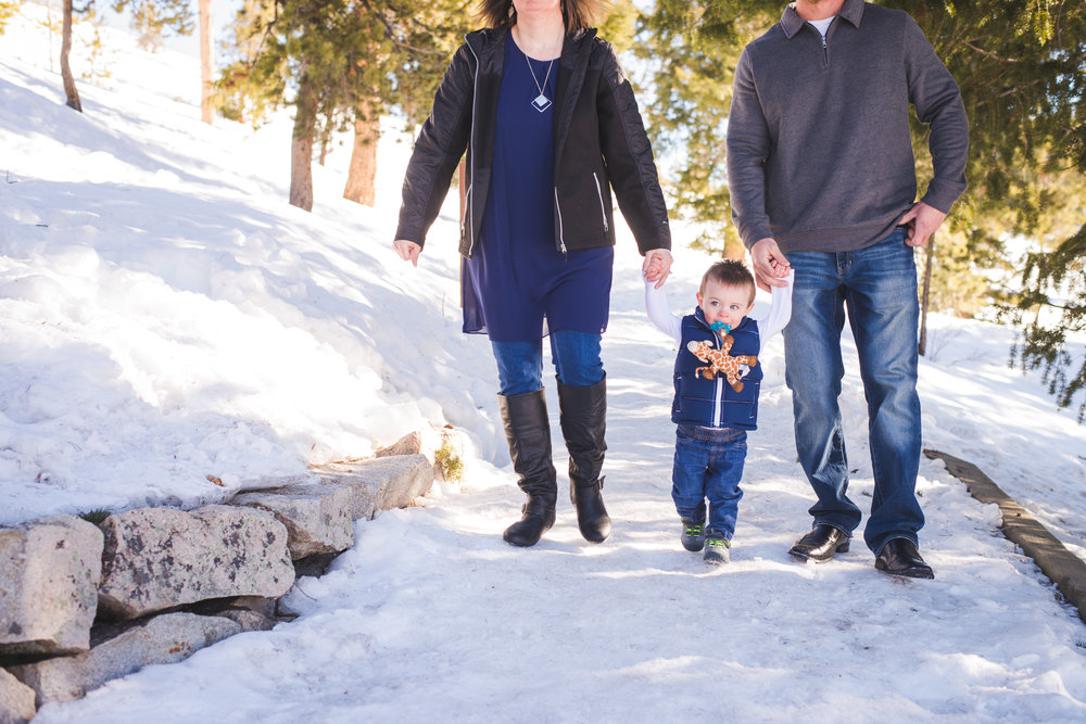 Winter family photos near Breckenridge, Colorado | Prepping your Little Ones for Portrait Sessions | Keeping Composure Photography