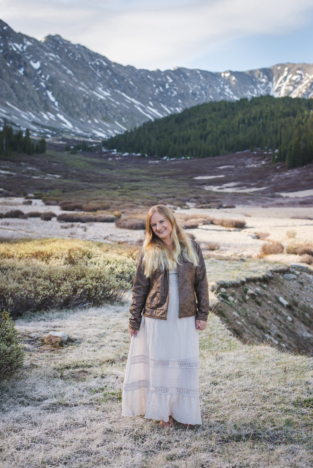 Sunrise young woman portrait session in the Colorado mountains | Flattering your Features | Keeping Composure Photography