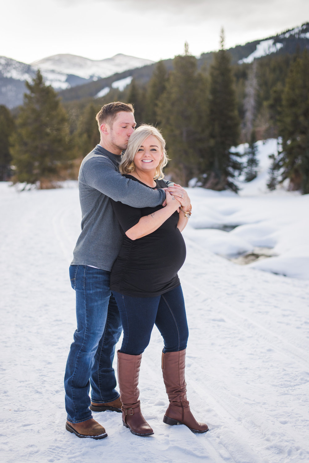 Winter maternity portraits in the Colorado mountains | Hair + Makeup for portrait sessions | Keeping Composure Photography