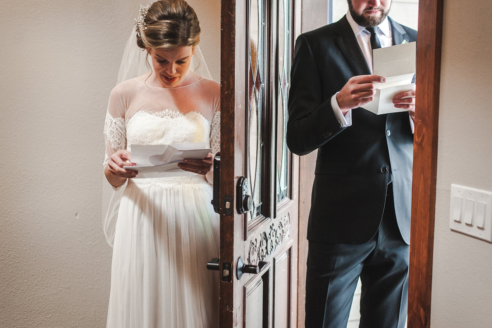 Bride and groom read each other's letters before their morning wedding ceremony in the mountains of Breckenridge, Colorado | Keeping Composure Photography