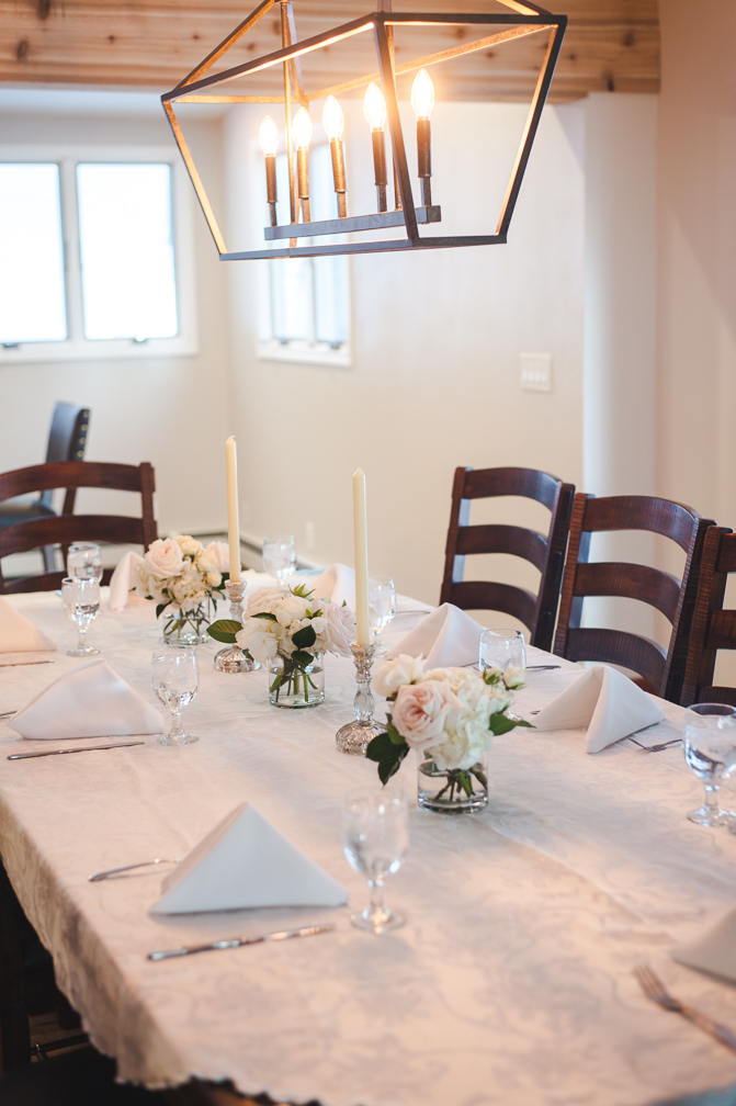 Small, intimate wedding brunch at a rental house in Breckenridge, Colorado | Keeping Composure Photo