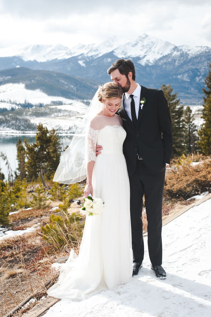 Bride and groom at Sapphire Point in Dillon, Colorado | Keeping Composure Photo
