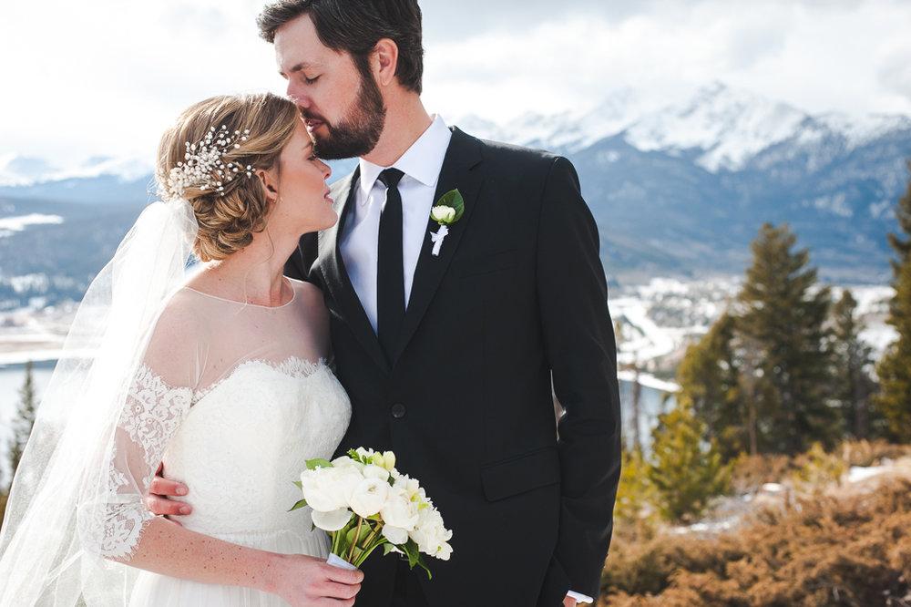 winter breckenridge wedding couple colorado