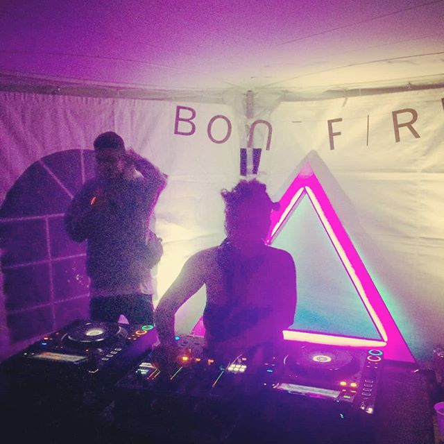 IT'S NOT OVER, FOLKS. Afterparty in the BONFIRE TENT with @chippyxnonstop and @shaqfrance, spinning 'til 2AM. Shuttle bus won't leave without you!  #ottawa #ottmusic #myottawa #musicfestival #afterparty #summer #chippynonstop #shaqfrance #arbfest2018 #bonfire613
