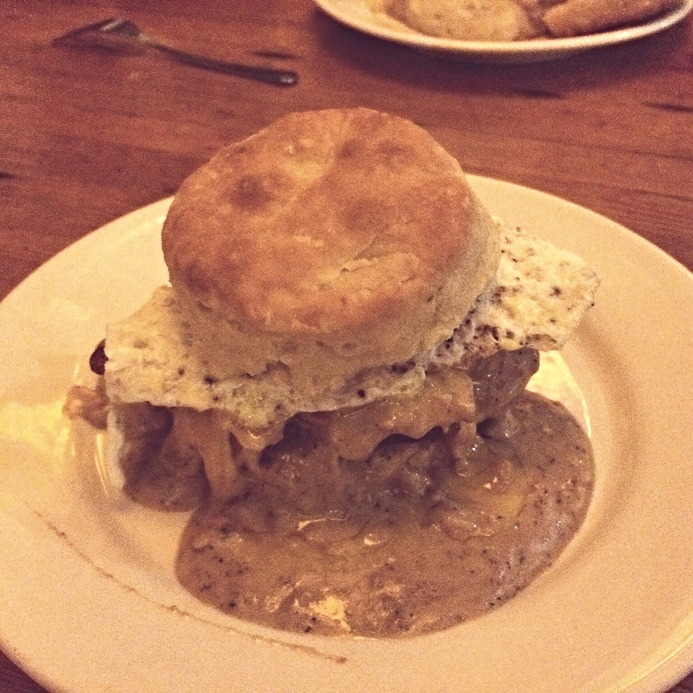 REGGIE DELUXE - Fried chicken, bacon, cheese, egg, topped with gravy
