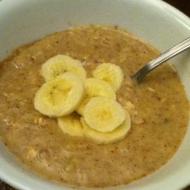 banana-almond-oatmeal-mush.jpg