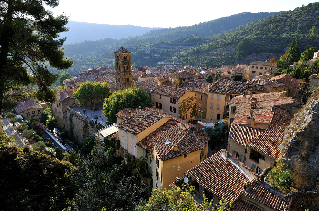 What:  A village, Moustiers-Ste-Marie    Location:  Southeastern France    Study Abroad in France at IUPUI       newyorkhabitat :      provencetoujours :     Moustiers-Ste-Marie     How beautiful!