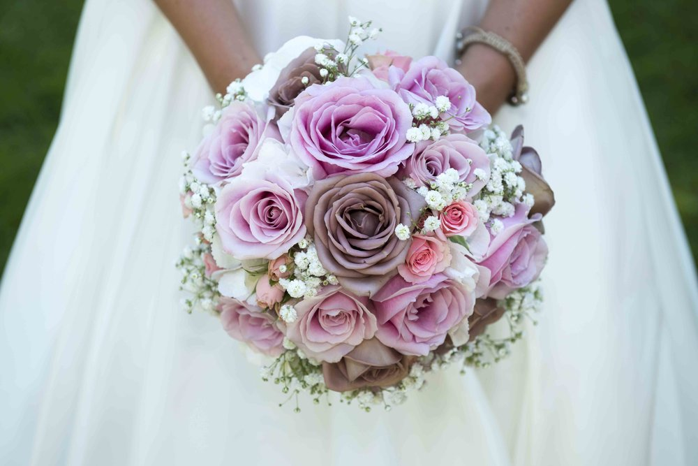 It's fast, easy, and free to deliver your bouquet for flower preservation from the Aberdeen, SD area. Call today! 701-400-6162.